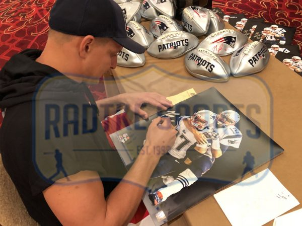 Rob Gronkowski Signed New England Patriots Stretched 16x20 NFL Wall Mount Canvas - With Tom Brady-29132