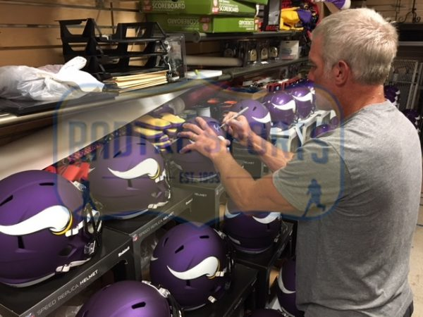Brett Favre Signed Minnesota Vikings Riddell Full Size Speed Helmet-29371