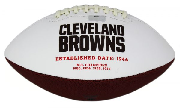 Nick Chubb Signed Cleveland Browns Embroidered NFL Football-32762