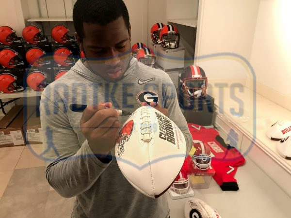 Nick Chubb Signed Cleveland Browns Embroidered NFL Football-32760