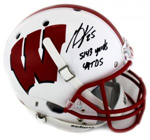 Melvin Gordon Autographed/Signed Wisconsin Badgers Riddell White Full Size NCAA Helmet with Career Stats Inscription - JSA-0