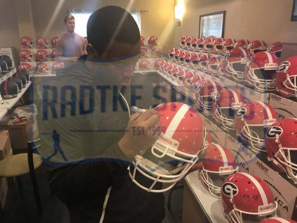 Nick Chubb Signed Georgia Bulldogs NCAA Authentic Schutt Helmet-28072