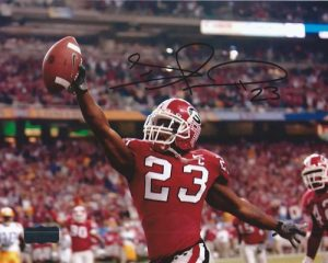 Tim Jennings Autographed/Signed Classic Georgia Bulldogs 8x10 NCAA Photo Reaching-0