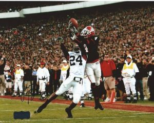 Sean Bailey Autographed/Signed Classic Georgia Bulldogs 8x10 NCAA Photo Jumping-0