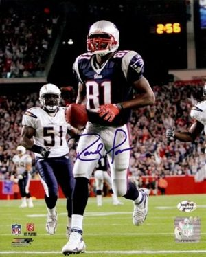 Randy Moss Autographed Patriots 8x10 Photo vs. Chargers-0