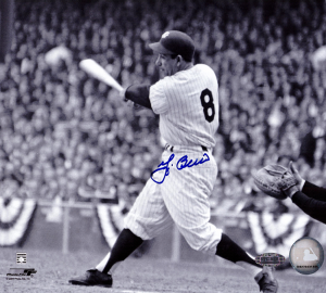 Yogi Berra Signed New York Yankees Black and White 8x10 Photo - Horizontal Swinging-0