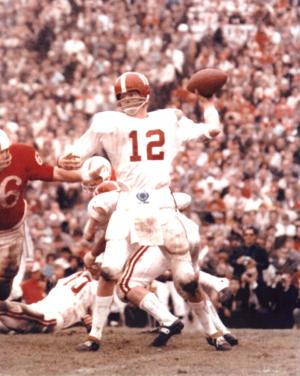 Ken Stabler Unsigned Alabama Crimson Tide Color 8x10 Photo - White Jersey Throwing-18736