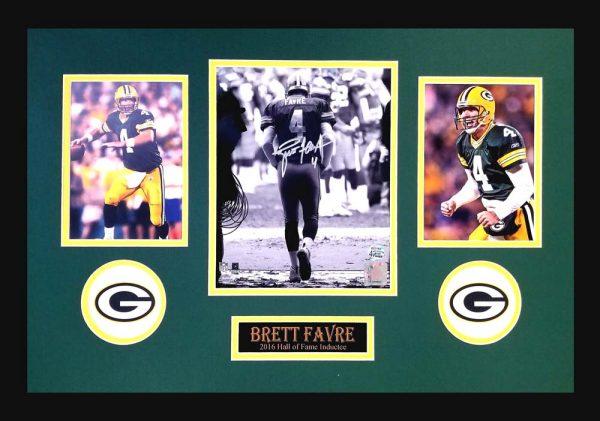 Brett Favre Signed Green Bay Packers Framed 8x10 Black & White NFL Photo - Tunnel-0