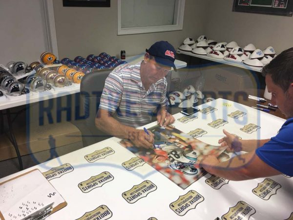 Wesley Walls Signed Carolina Panthers 16x20 NFL Photo - Running-23750