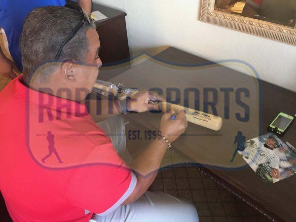 Andres Galarraga Signed MLB Black Rawlings Engraved Big Stick Bat - Atlanta Braves-25288
