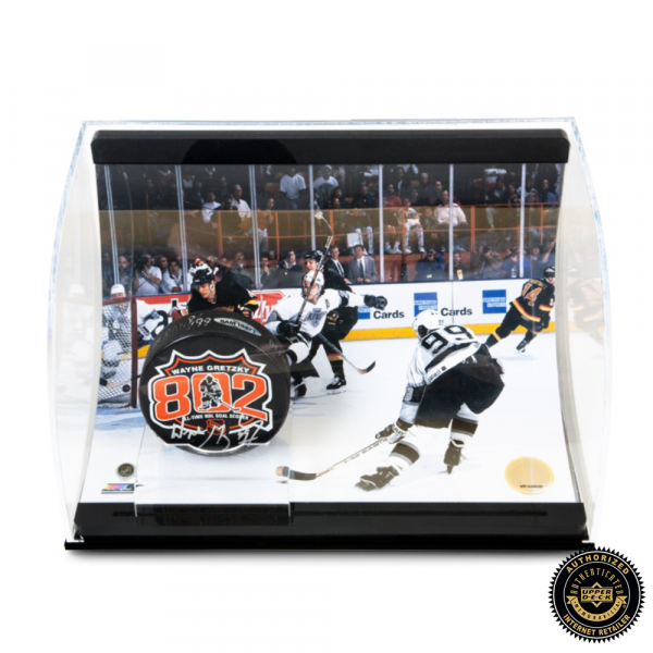 Wayne Gretzky Signed 802 Puck with 802 Goal Picture - Curve Display-0