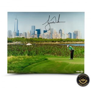 Tiger Woods Signed NYC 16x20 Photo - LE-0
