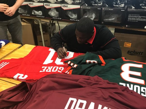 Frank Gore Signed San Francisco 49ers Custom Red Jersey-30221