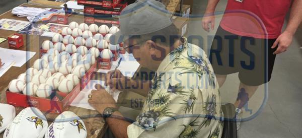 "Johnny Bench Autographed/Signed Official Rawlings Major League Baseball with ""75-76 WS Champs"" Inscription-13081"
