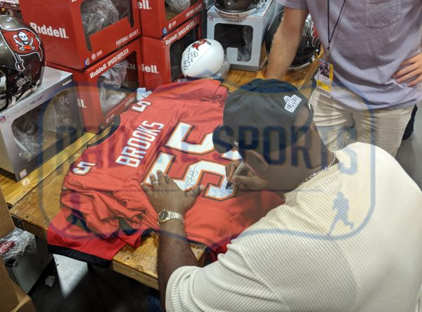 "Derrick Brooks Signed Tampa Bay Custom Red Jersey With ""HOF 2014"" Inscription-32842"