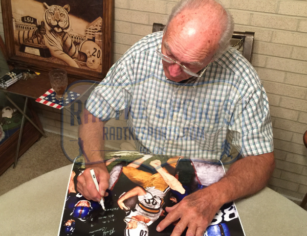 """Billy Cannon Signed LSU Tigers Iconic 16x20 Color Photo with """"1959 Heisman Trophy - CHOF"""" Inscription-6294"""