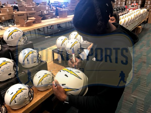 """Mike Williams Signed Los Angeles Chargers Riddell Full Size Speed Helmet With """"2017 1st Round Pick"""" Inscription-32507"""