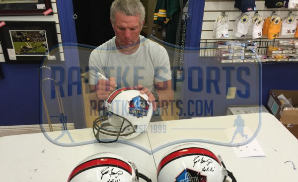 """Brett Favre Signed Riddell Pro Football HOF Full Size Helmet - """"HOF 16""""-10970"""