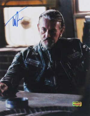 Tommy Flanagan Signed Sons Of Anarchy Sitting At Table 11x14 Photo -0