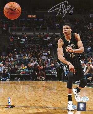 Giannis Antetokounmpo Signed Milwaukee Bucks NBA 8x10 Photo - Passing in Black Jersey-0