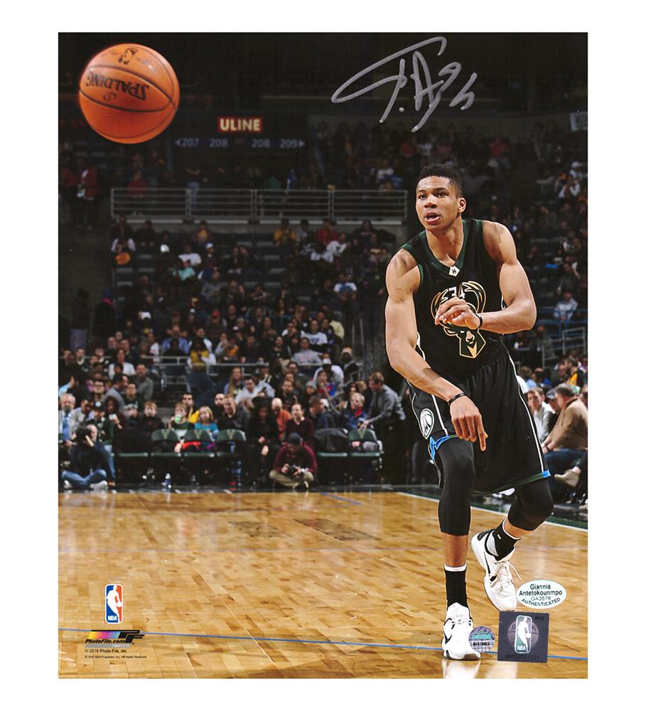 separation shoes 3859b ed730 Giannis Antetokounmpo Signed Milwaukee Bucks NBA 8x10 Photo - Passing in  Black Jersey