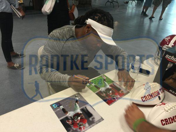 Derrick Henry Signed Alabama Crimson Tide Color 8x10 Photo - Red Jersey - Limited Edition Of 22-24811