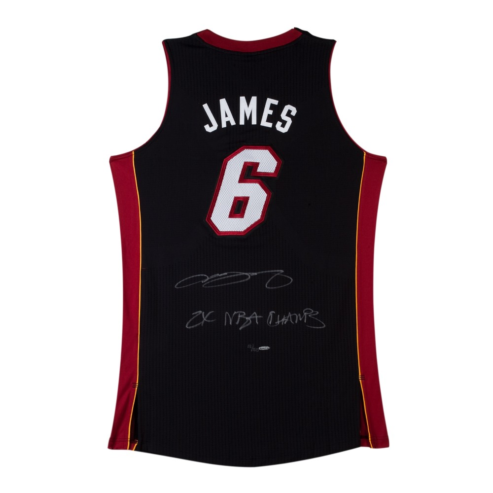 save off 2bc22 266e8 LeBron James Signed Miami Heat Black Authentic Jersey with