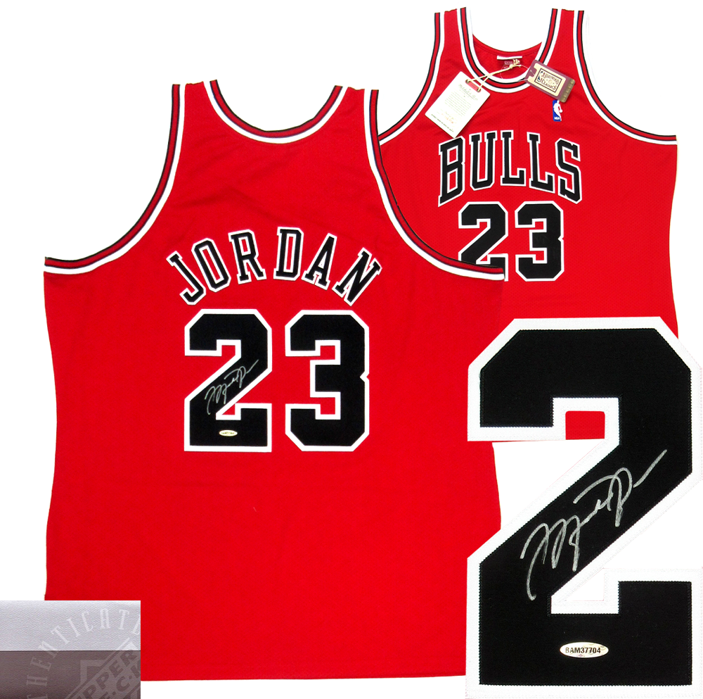finest selection 874d9 4d5fe Michael Jordan Signed Chicago Bulls Mitchell & Ness Vintage NBA Basketball  Jersey - UDA