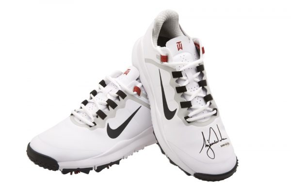 Tiger Woods Signed Nike Golf Shoes - White-13626